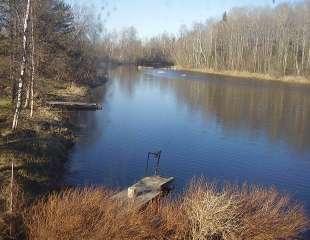 Vaade paisutatud Navasti jõele